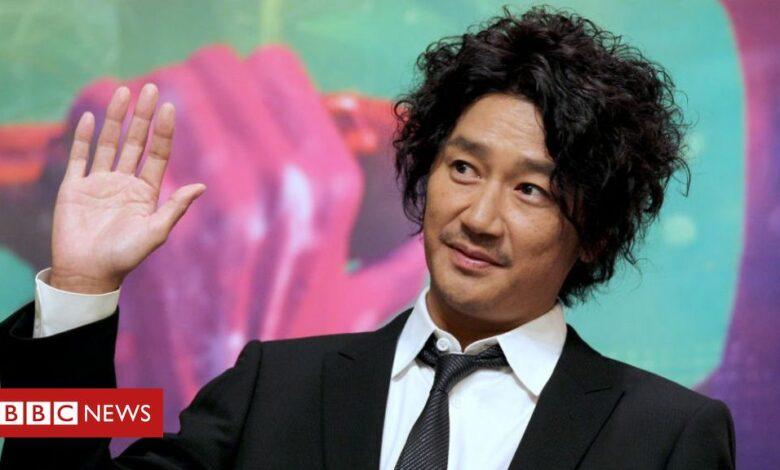 Masahiko Kondo: Japanese singer suspended over extra-marital affair