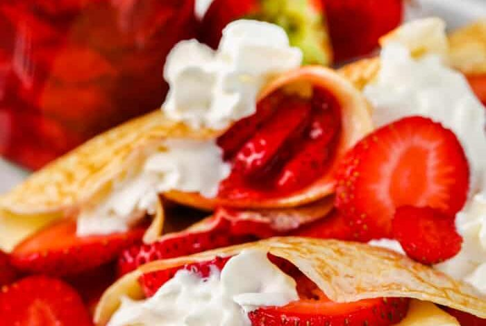 Strawberry Crepes (Perfect for Sunday Brunch!)