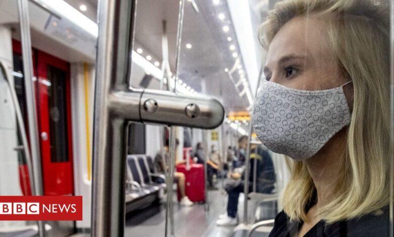 Coronavirus: Netherlands makes face masks mandatory indoors