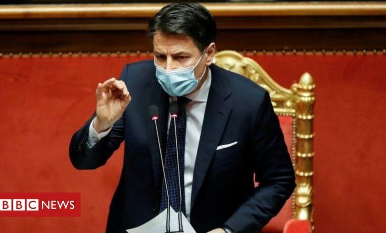 Covid: Italian PM brands vaccine delay 'unacceptable'