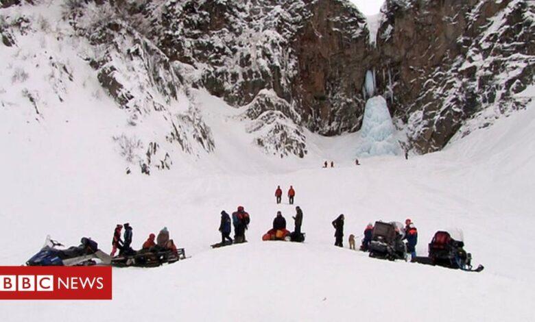 Kamchatka: Frozen waterfall collapse kills one in Russia's far east