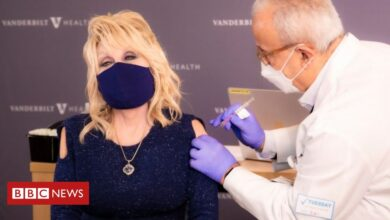 Photo of Covid-19: Dolly Parton marks vaccination with Jolene rewrite