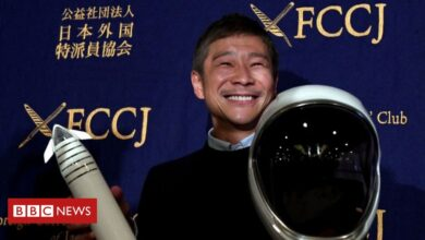 Photo of Japanese billionaire seeks eight people to fly to moon